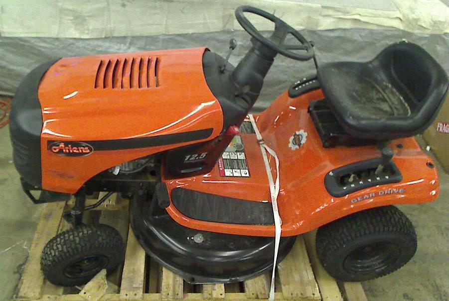 ariens 30 in 12 5 hp briggs stratton 6 speed gas front engine riding mower. Black Bedroom Furniture Sets. Home Design Ideas