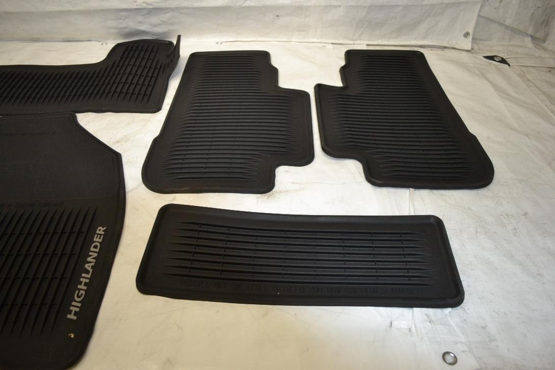 Genuine toyota pt908 48140 20 floor mat ebay for Original toyota floor mats