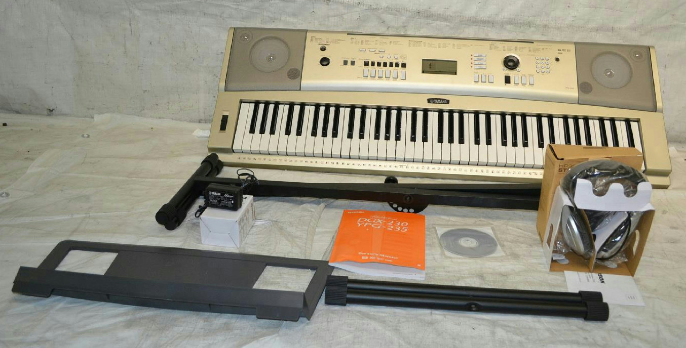 Yamaha ypg 235 76 key portable grand piano 886830799167 ebay for Yamaha ypg 235 used
