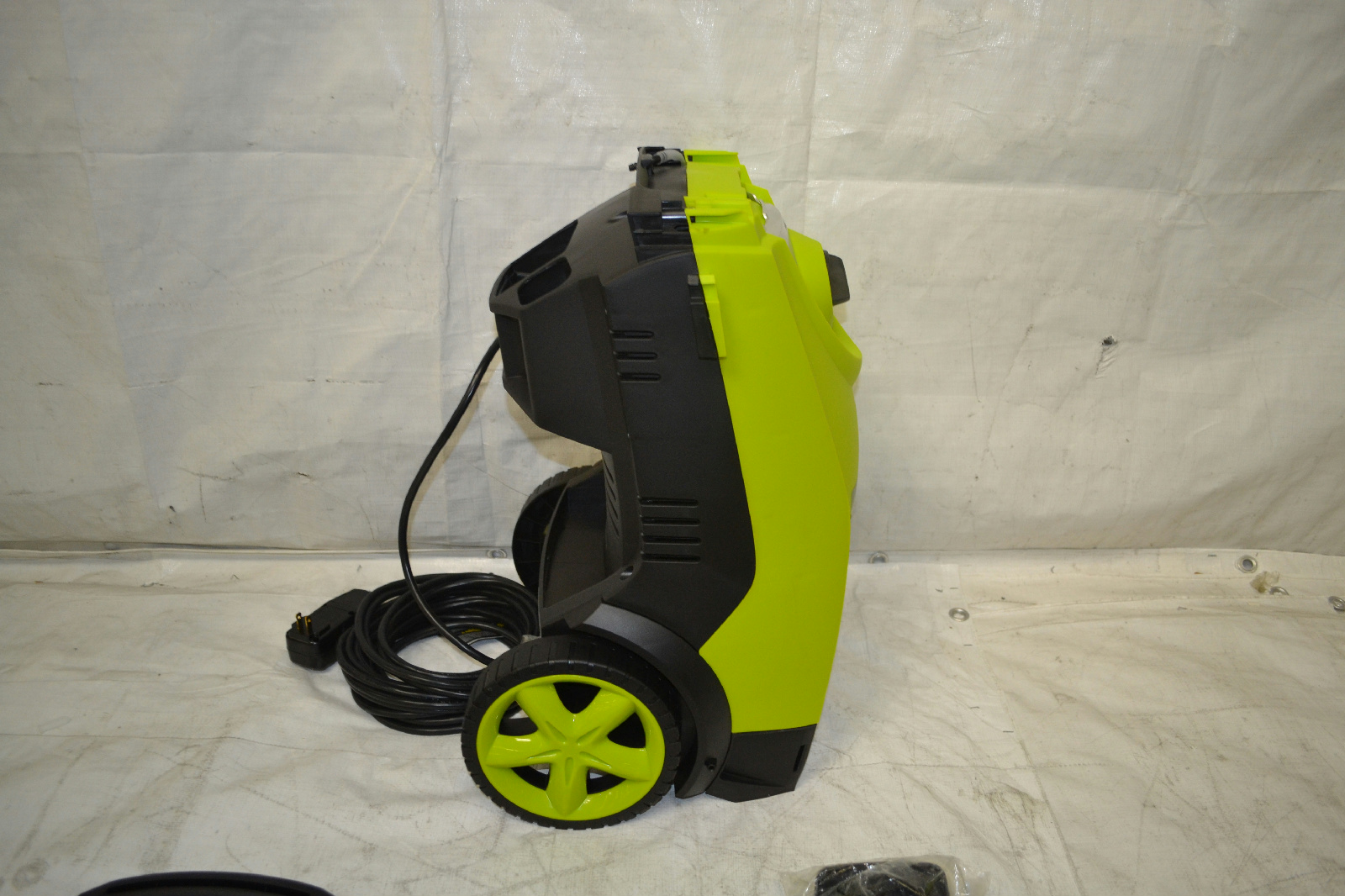 Sun Joe Spx3000 2030 Psi 1 76 Gpm Electric Pressure Washer