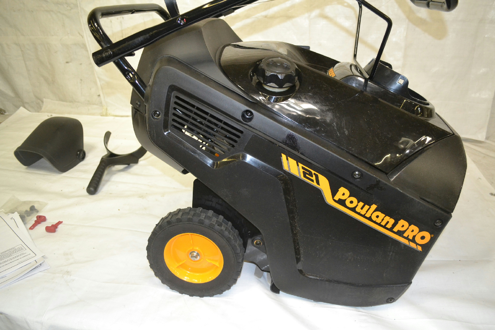 poulan singles This snow thrower review finds the poulan pro pr521 21-inch 136cc single stage snow thrower to be a good choice for basic snow clearing it is simple and works well.