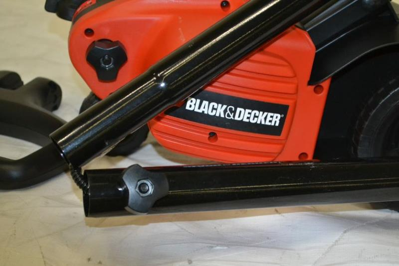 how to change blade on black and decker edge hog
