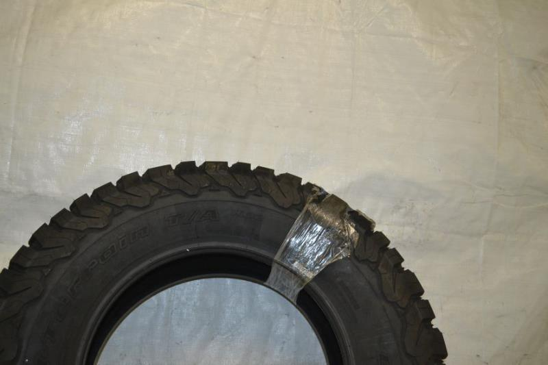 bfgoodrich all terrain t a ko2 off road radial tire 275 70r18 125r ebay. Black Bedroom Furniture Sets. Home Design Ideas