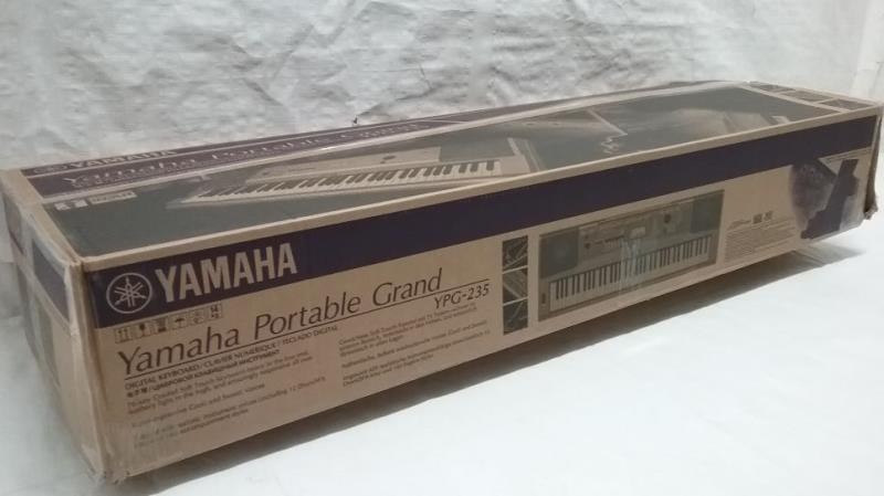 Yamaha ypg 235 76 key portable grand piano 616639701654 ebay for Yamaha ypg 235 used